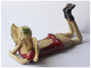 Anioł leżący czerwony