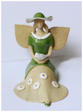 Anielica z gołębiem