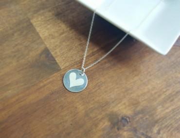 Delikatny naszyjnik z wisiorkiem - Heart Charm - ręcznie robiony