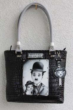 Torebka z ręcznie malowanym portretem Charliego Chaplina