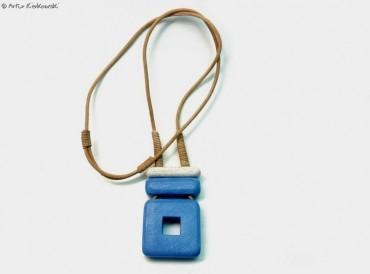 Naszyjnik Kwadrat-M niebiesko-biały