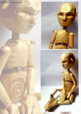 Sun - lalka drewniana