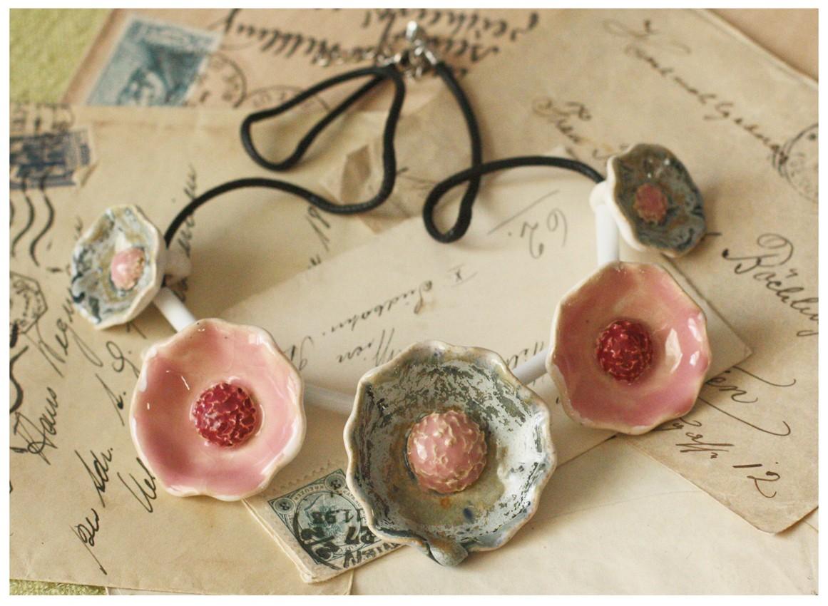 Wisior kwiatowy seledynowo-różowy