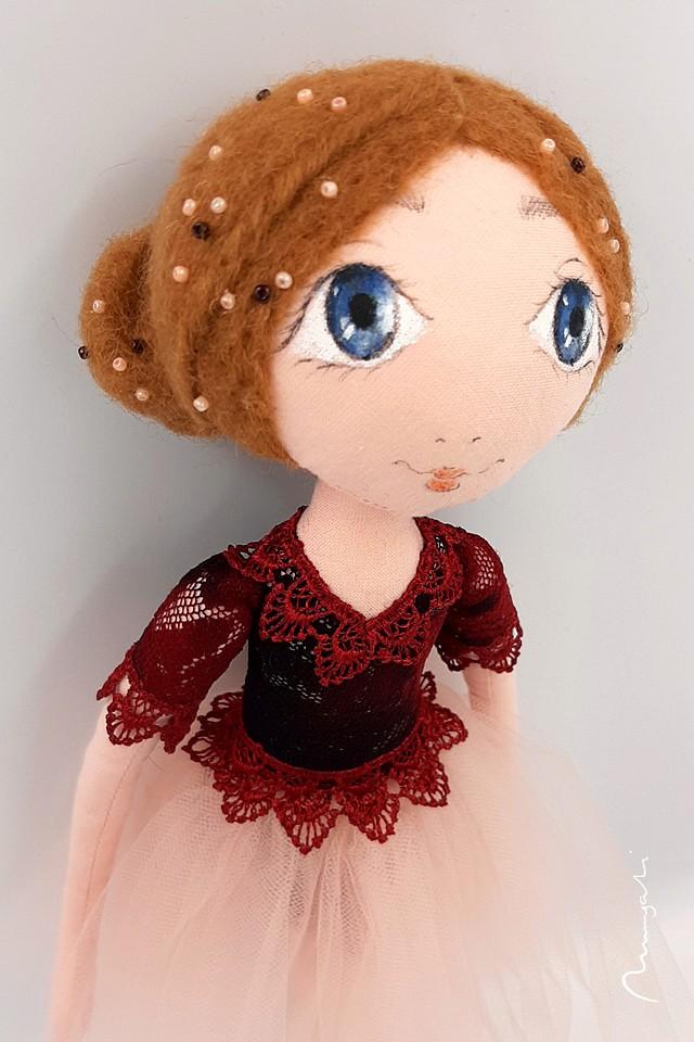 Oksana - elegancka lalka szmaciana