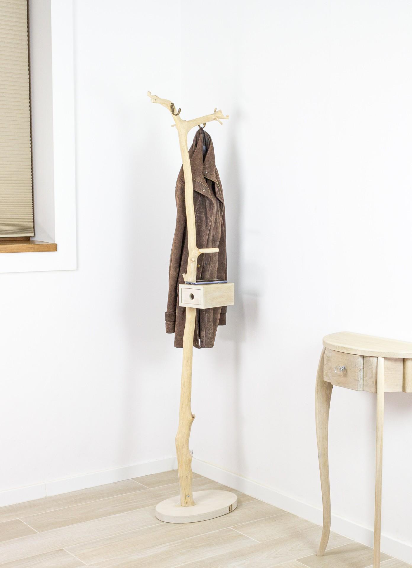 Wieszak na ubrania, wieszak drewniany, wieszak do przedpokoju
