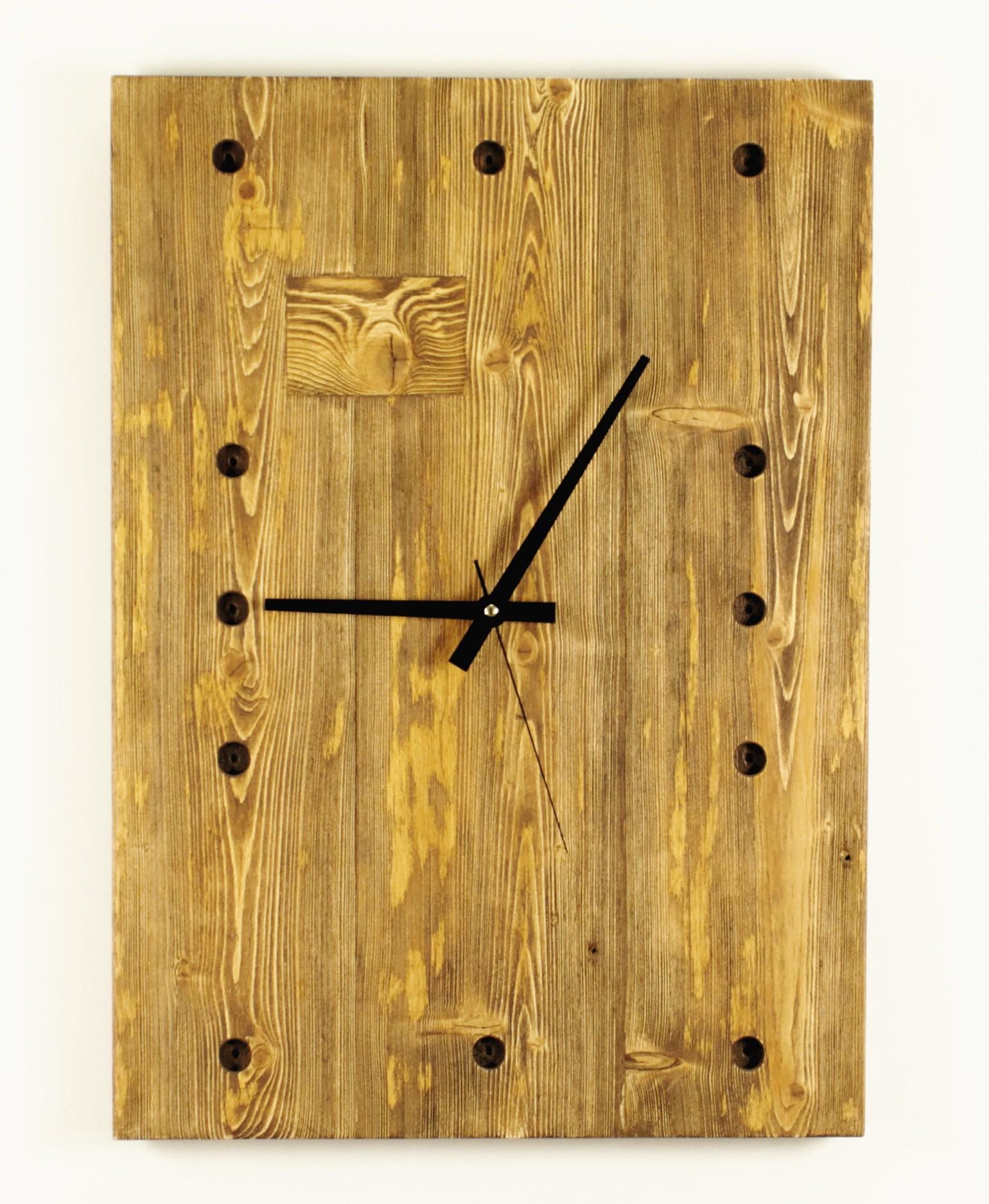 Duży zegar ze starej sosny