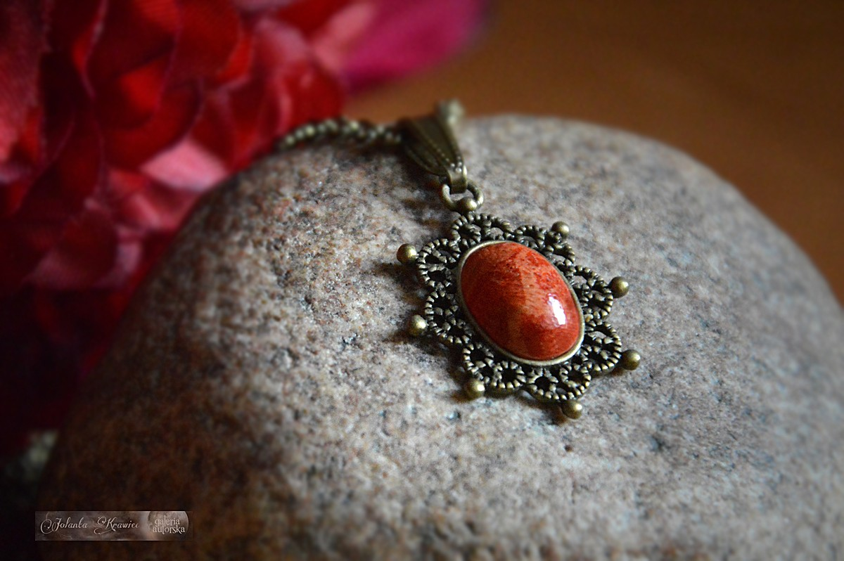 Koral naturalny  Medalion Wisiorek Naszyjnik  Kolekcja Vintage