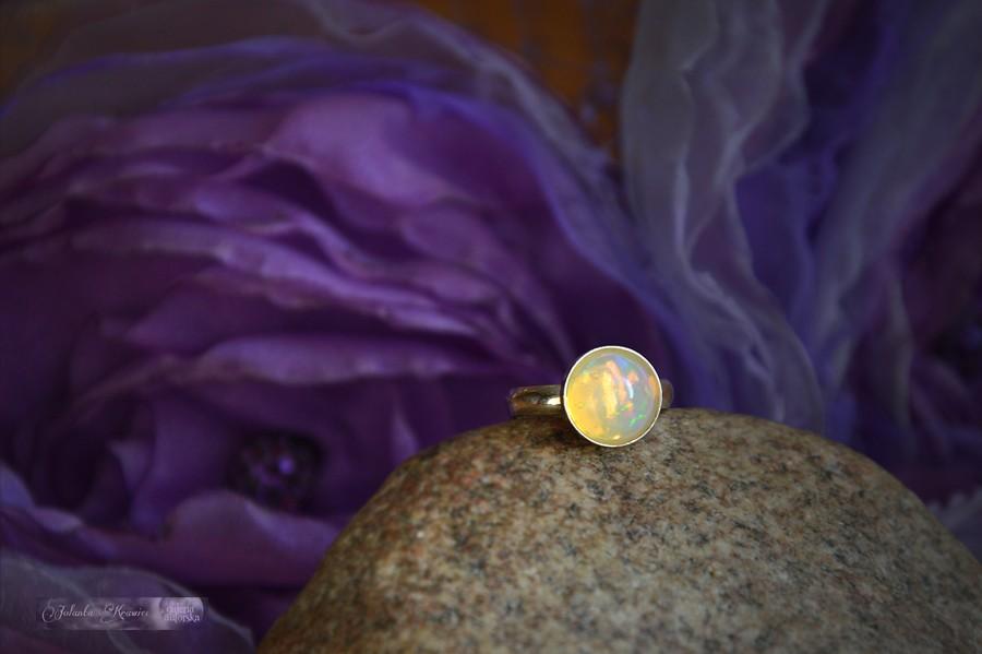 Opal z Etiopii  Pierścionek  Kolekcja baśniowa  Srebro