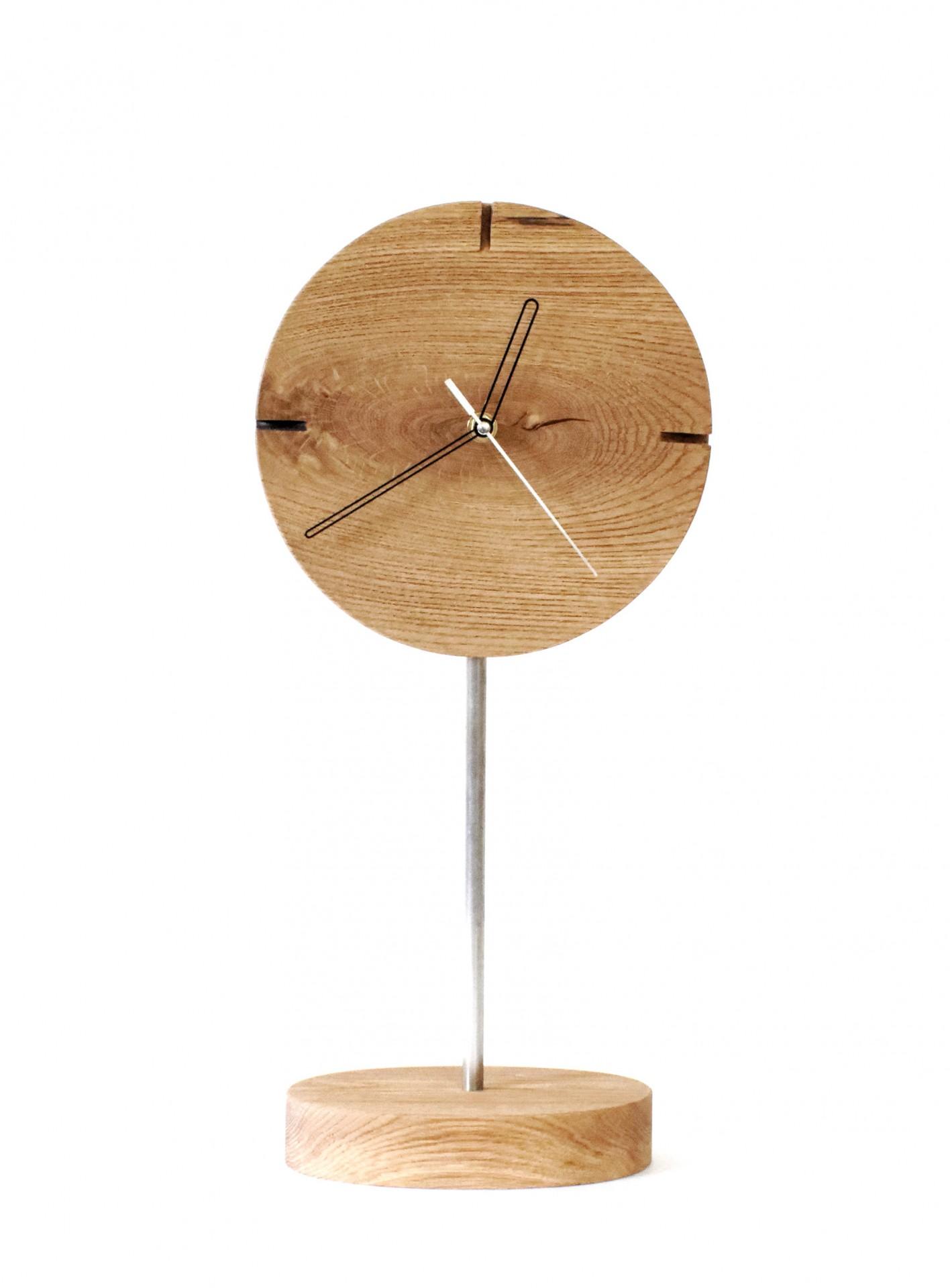 Zegar dębowy.  Zegar stojący. Cichy płynący mechanizm, prezent, wykonany ręcznie