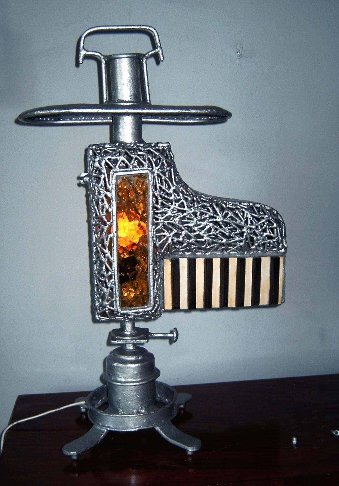 Lampa  stojąca -symfonia